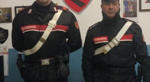 """Vigevano: """"Dammi i soldi o faccio saltare in aria tutto"""". Rapina la farmacia e fugge: i carabinieri la arrestano poco dopo."""