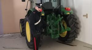 Zerbolò, i carabinieri recuperano i trattori rubati