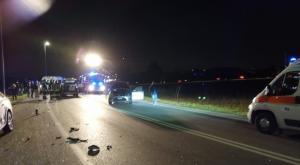 Vigevano, scontro tra due auto: cinque uomini feriti