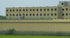 Detenuto appena trasferito aggredisce due agenti della polizia penitenziaria