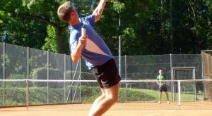 Lombardia, da domani consentiti tennis, golf atletica, equitazione
