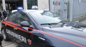 Vigevano: armato di coltello, rapina il supermercato