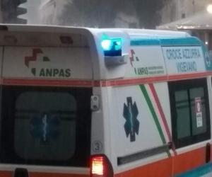 Vigevano, incidente tra corso Milano e viale Argentina: ferita lievemente una donna