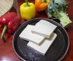 """Tofu addio (-9%), torna la carne """"vera"""""""
