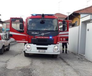 Rogo in un'abitazione di via Ivrea, intervengono i vigili del fuoco