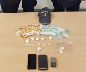 Vigevano, spaccia cocaina in auto: arrestato 39enne albanese