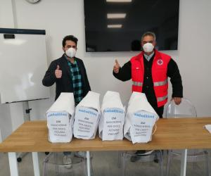 Coronavirus, Satollini dona 1.000 mascherine alla Croce Azzurra