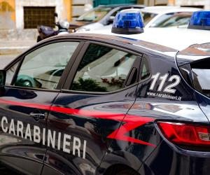 Vigevano, pensionato rapinato in viale Petrarca: banditi in fuga con 1.200 euro