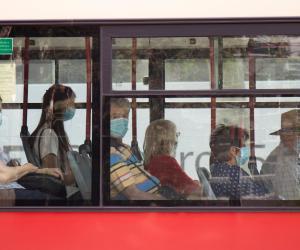 Trasporto pubblico e distanziamento: in Lombardia resta in vigore la nuova ordinanza