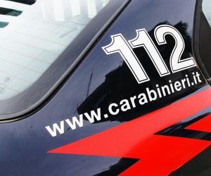 Dorno, aggredisce il padre e poi minaccia i carabinieri: arrestato