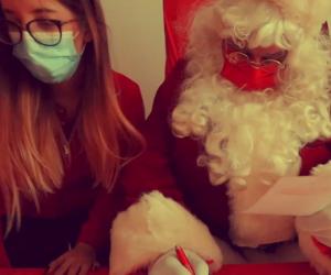 Croce Rossa come Santa Claus: a Natale porta giocattoli ai bambini