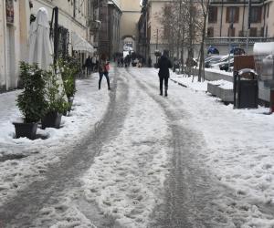 Neve, città nel caos: il sindaco chiede scusa