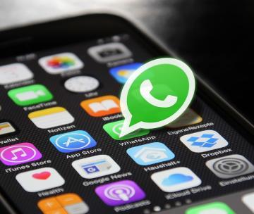 WhatsApp down, le reazioni del web